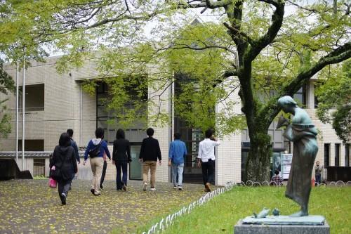 美術館前6 (3)